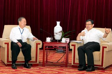 7月17日,陳德銘會長在京會見了饒穎奇率領的臺灣民意代表交流參訪團。